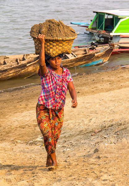 The Women of Myanmar 06 - Gary Cawood