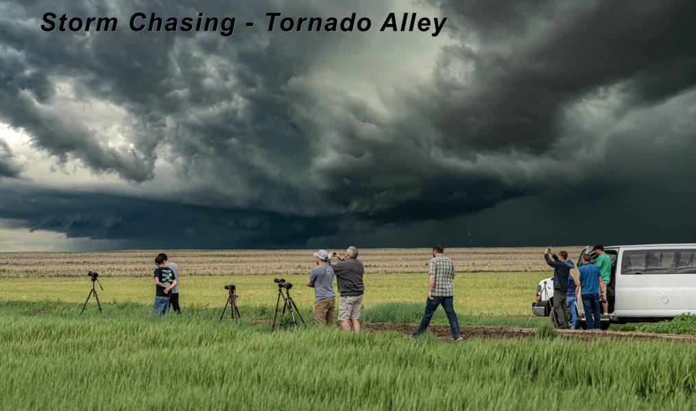 Storm Chasing - Tornado Alley 01 - Don Goldman