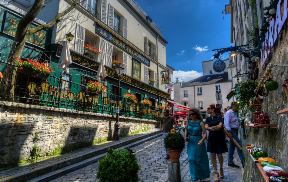 A Walk Through Montmartre 06 - Doug Arnold