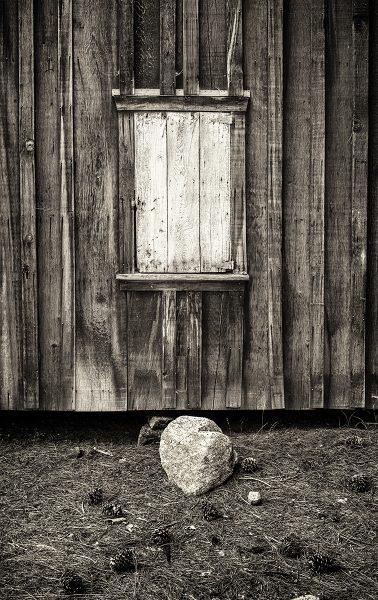 China Flat Cabin Wall - Dennis Scott