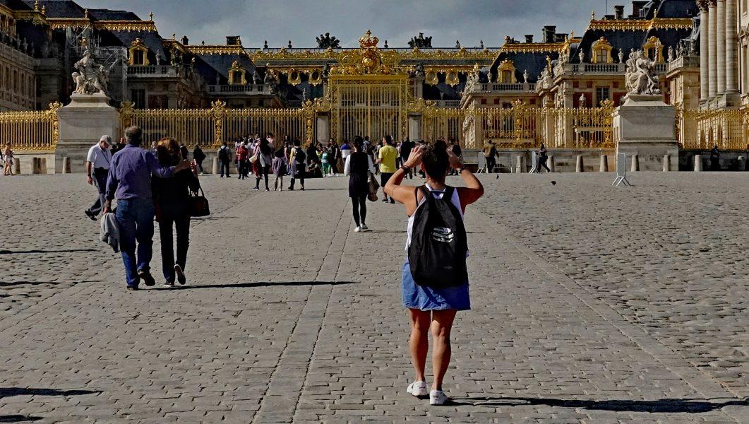 Approaching Versailles - Robert Benson