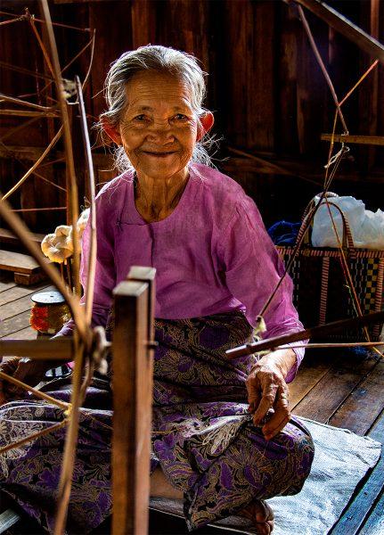 Yarn Spinner at Lake Inle, Myanmar - Gary Cawood