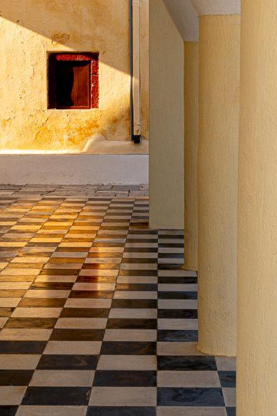 Squares and Columns - Jan Lightfoot