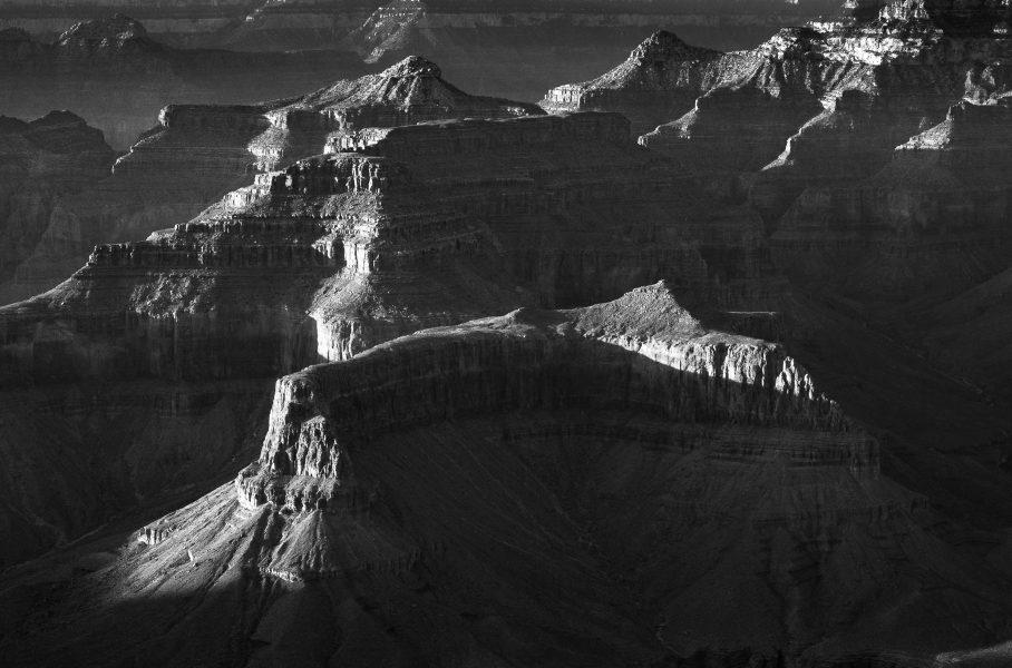 Descending into the Grand Canyon 02 - Aaron Vizzini