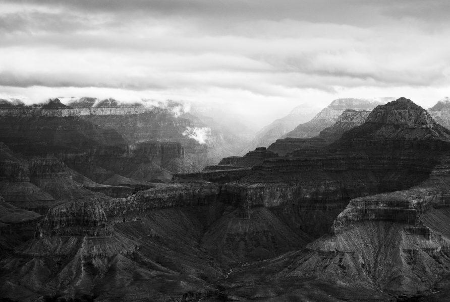 Descending into the Grand Canyon 03 - Aaron Vizzini